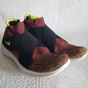 Nike free run flyknit running shoes